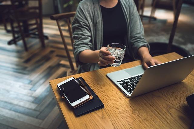 外やカフェでネット接続が出来るメリット